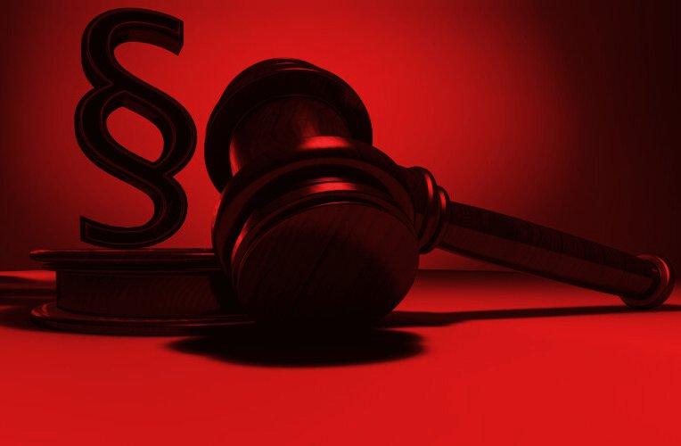 Immer mehr Verfassungsrechtler rügen das Verfassungsgericht.